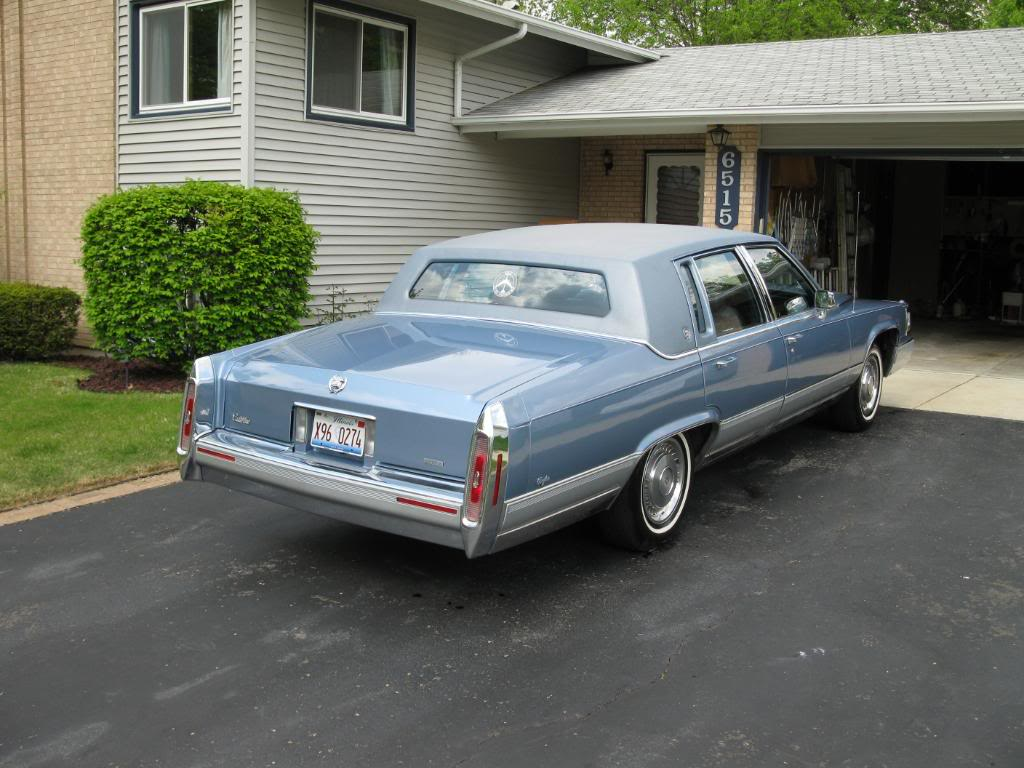 1990 Cadillac Brougham - Information and photos - ZombieDrive