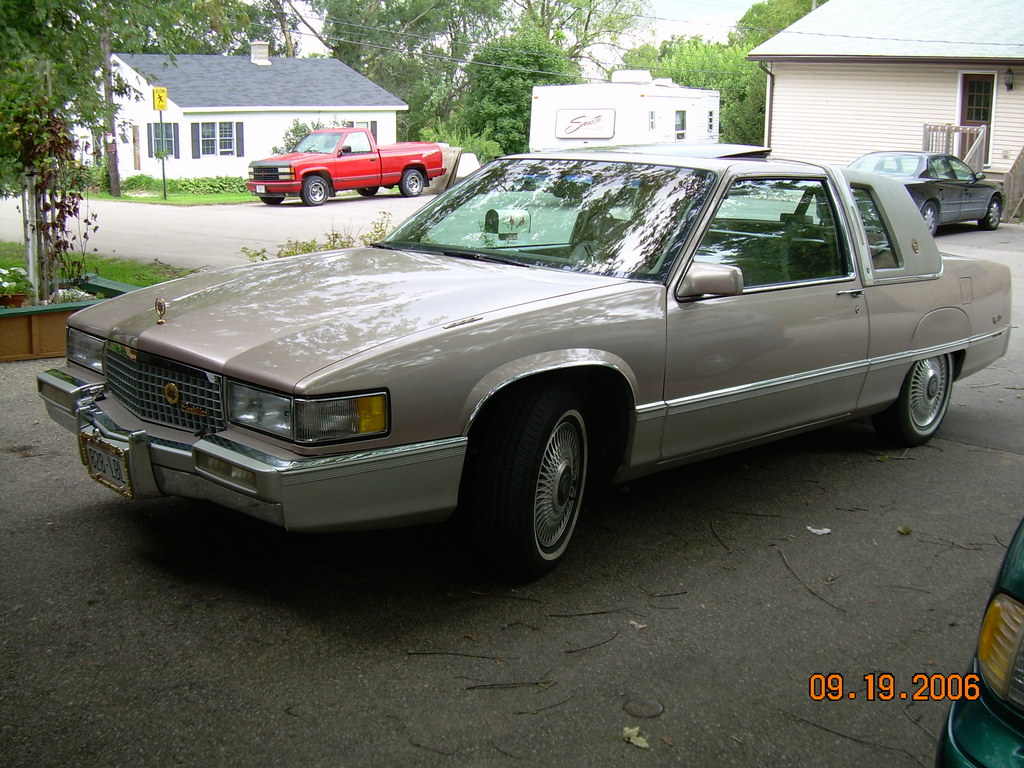 1990 Cadillac DeVille - Information and photos - ZombieDrive