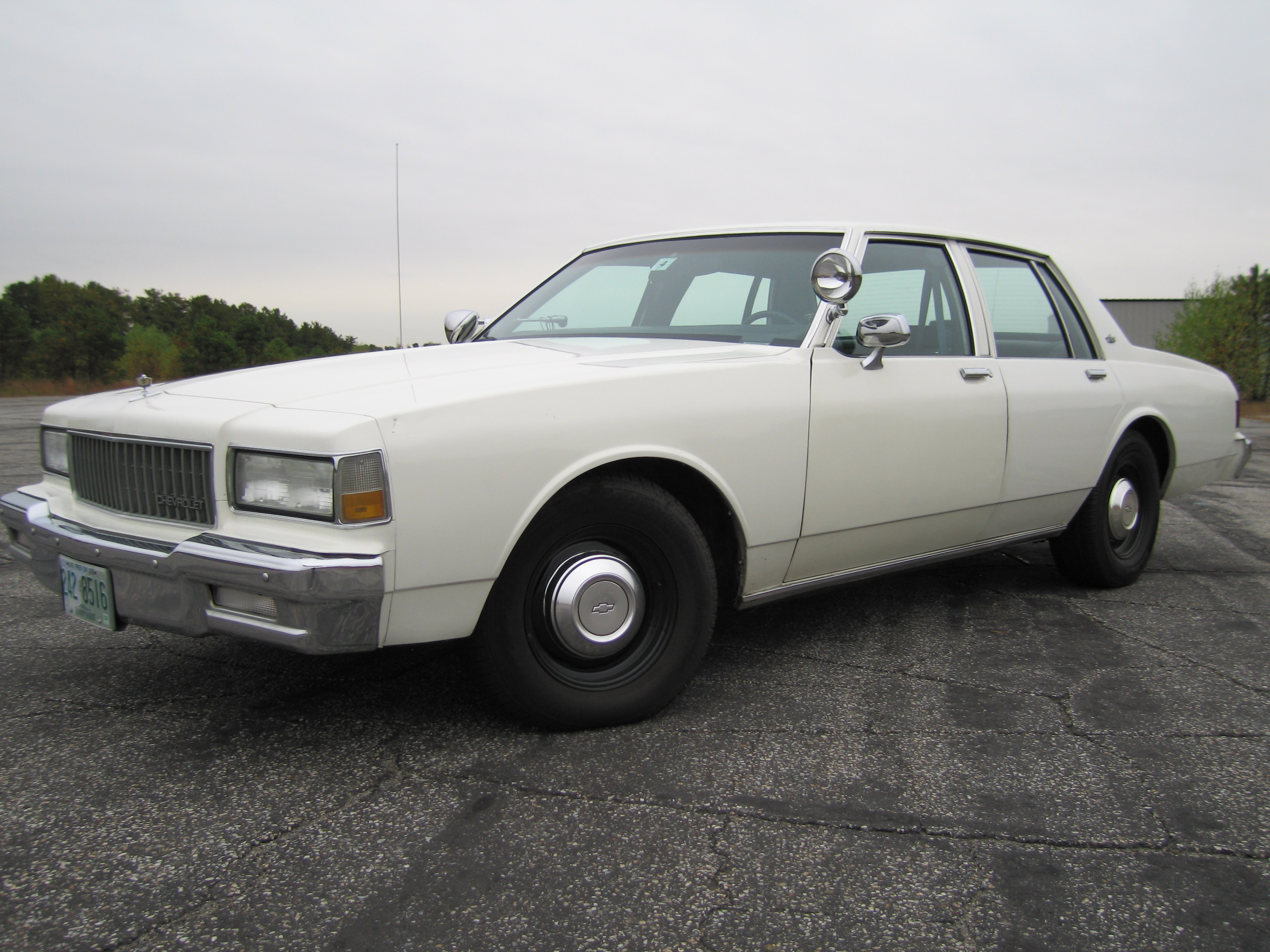 Test Drive the 1990 Chevrolet Caprice Classic (Start Up, Engine ...