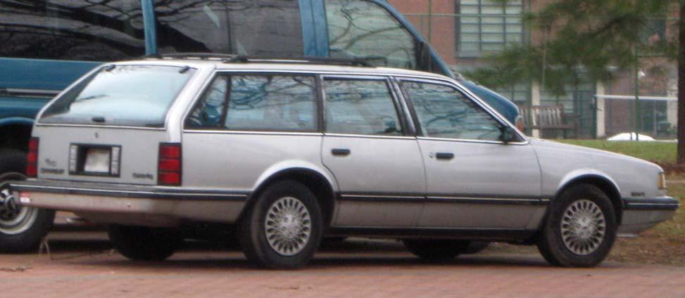1990 Chevrolet Celebrity Image 4