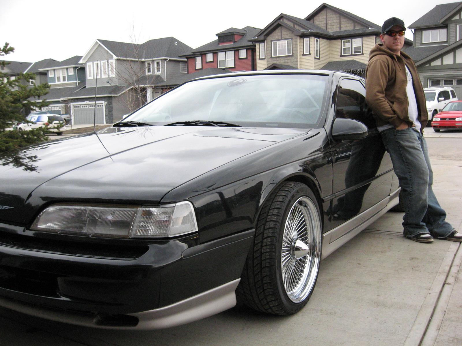1990 Ford Thunderbird 10