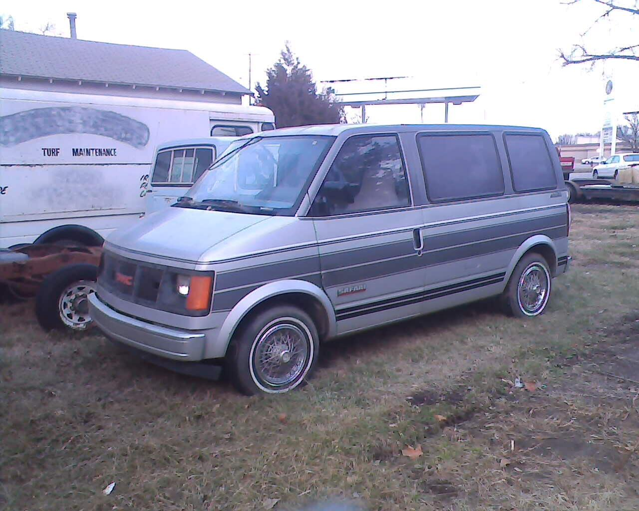 GMC Safari #7