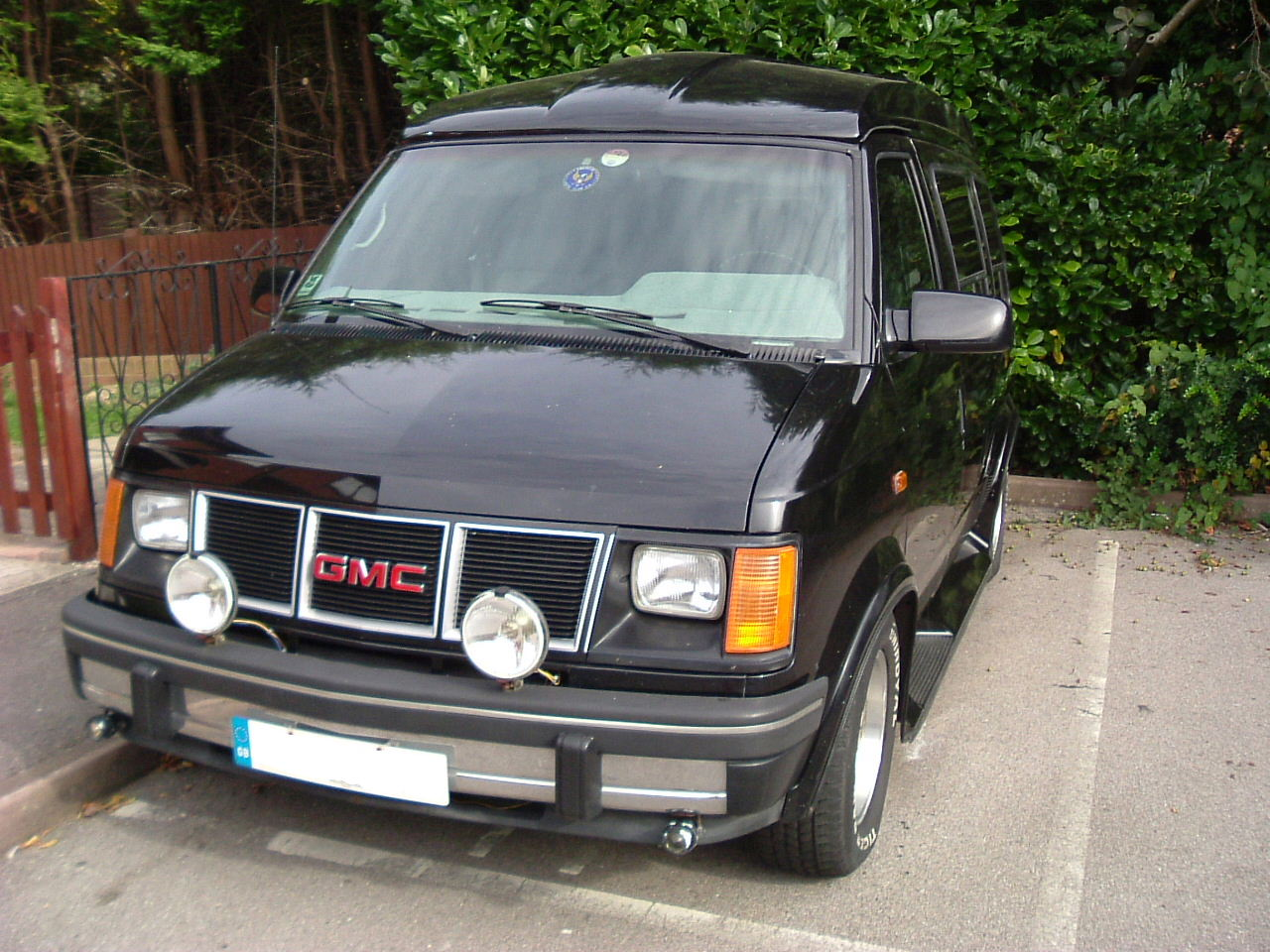 GMC Safari #8