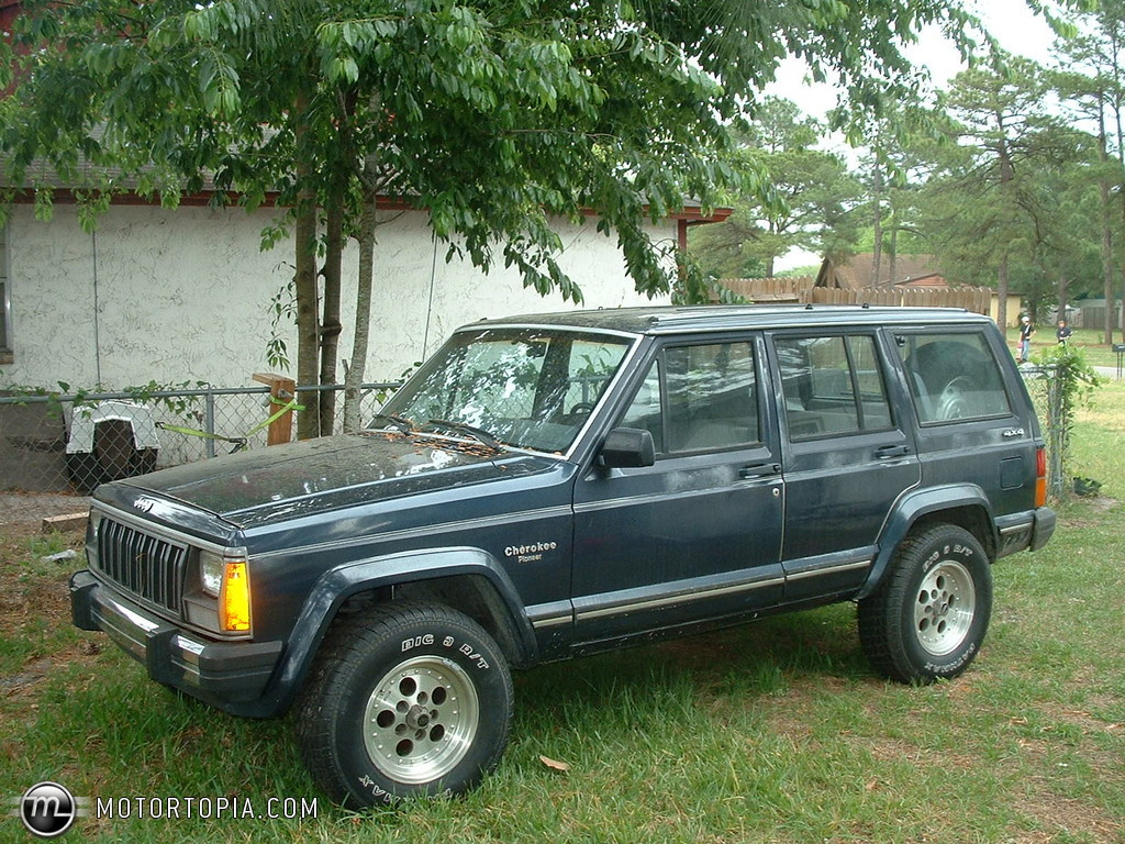 1990 jeep cherokee information and photos zombiedrive. Black Bedroom Furniture Sets. Home Design Ideas