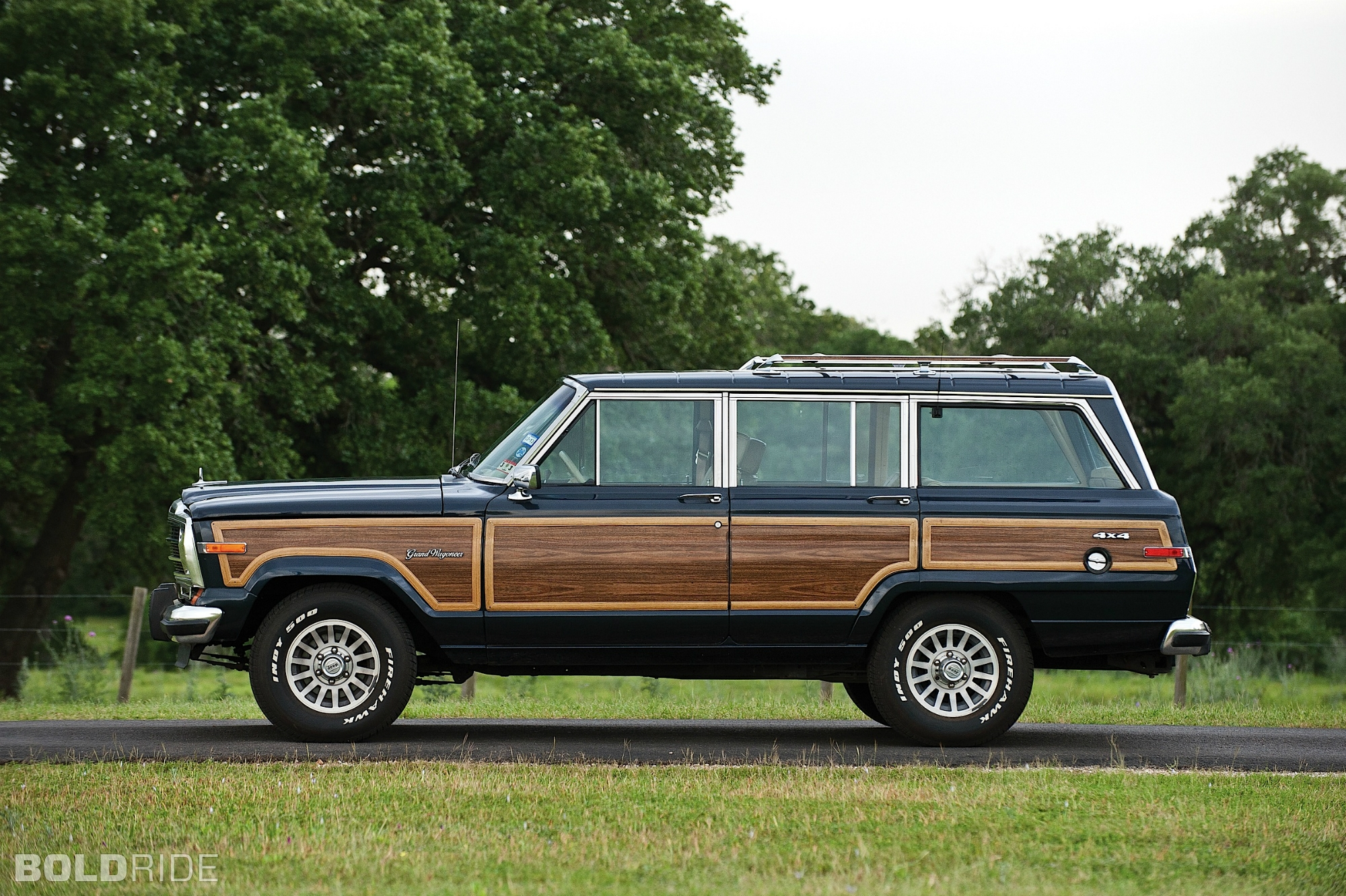 1990 Jeep Grand Wagoneer Image 10