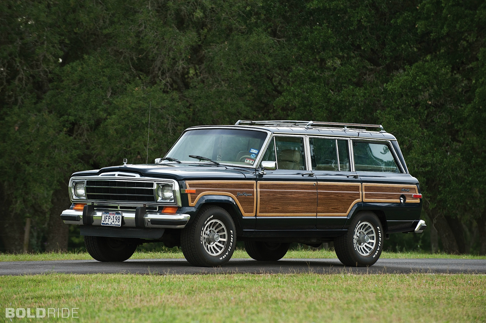 1990 jeep wagoneer information and photos zombiedrive. Black Bedroom Furniture Sets. Home Design Ideas