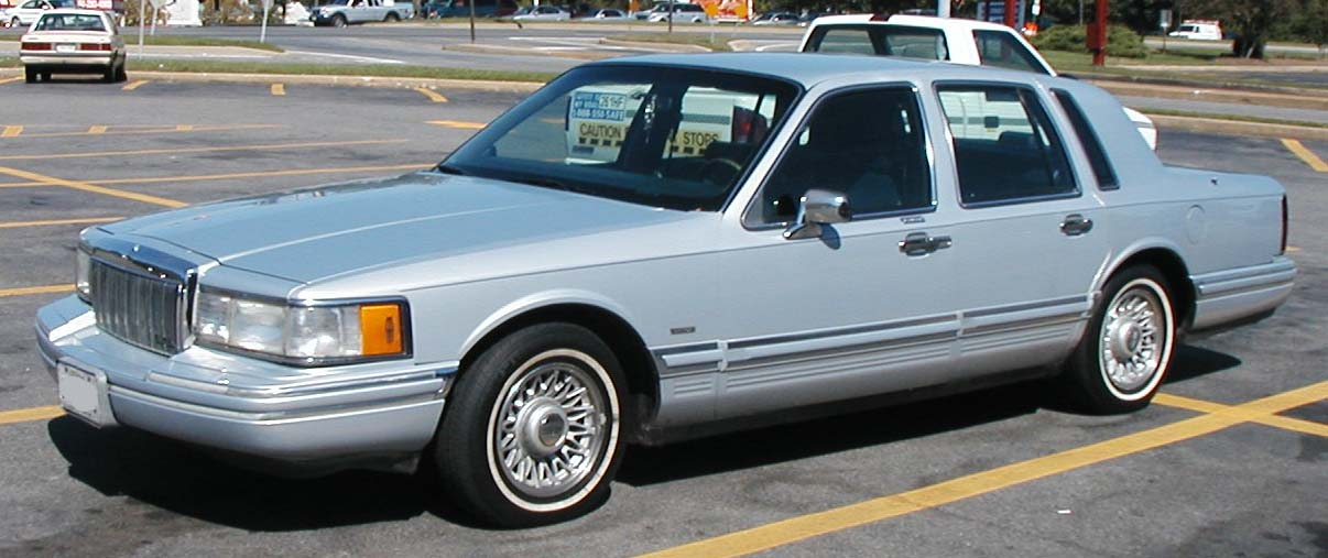 1990 Lincoln Town Car Image 3