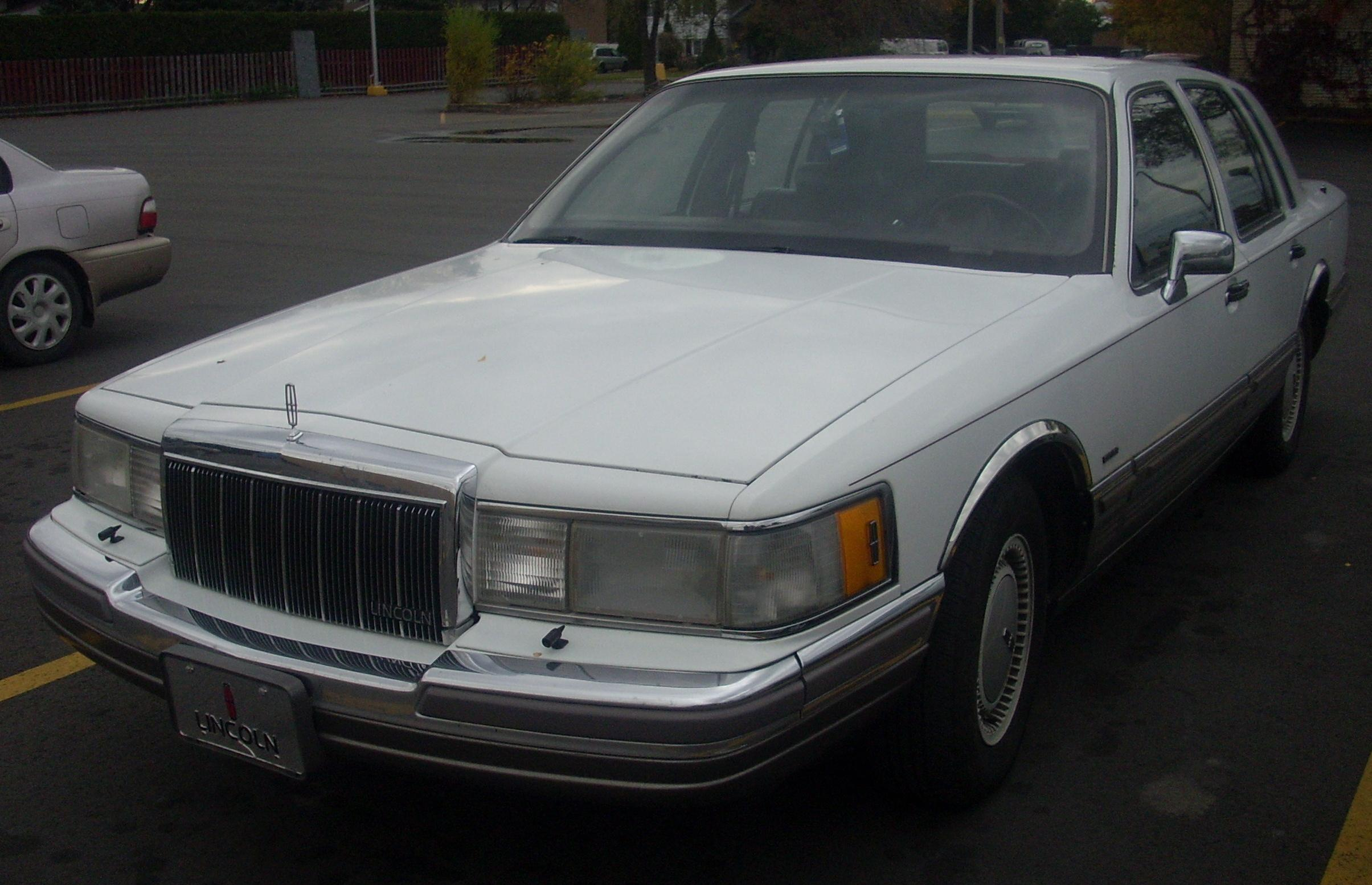 1990 Lincoln Town Car Information And Photos Zombiedrive