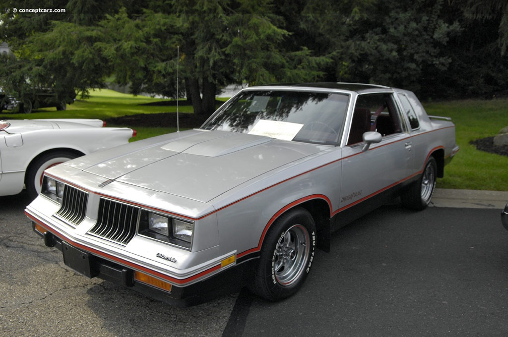 Oldsmobile Cutlass Calais #12