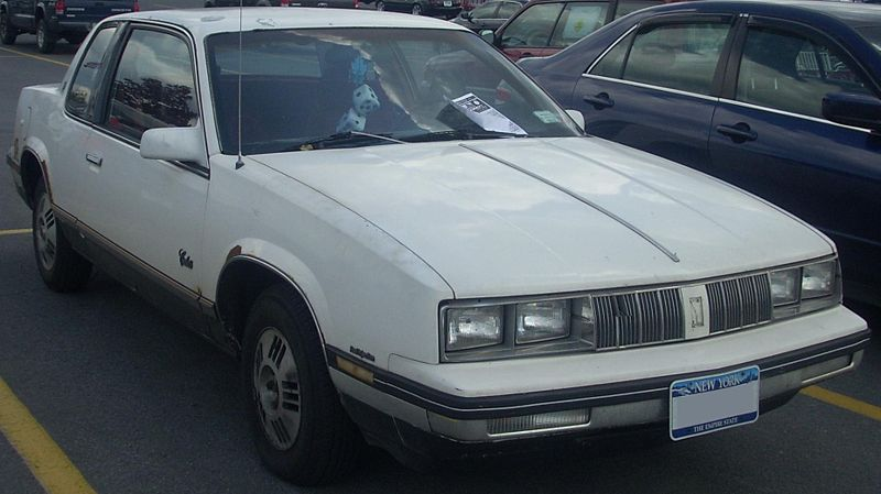 Oldsmobile Cutlass Calais #11