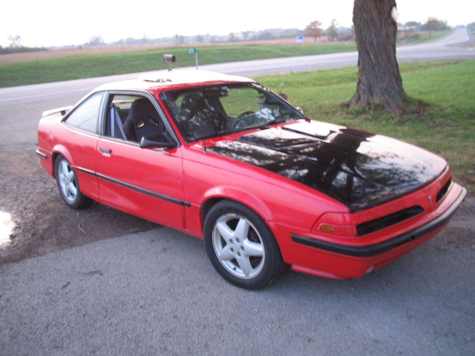 1990 Pontiac Sunbird Image 6