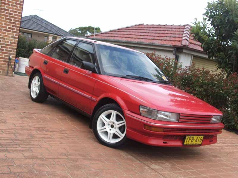 1990 Toyota Corolla Image 4