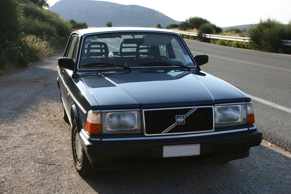1990 Volvo 240 - Information and photos - ZombieDrive