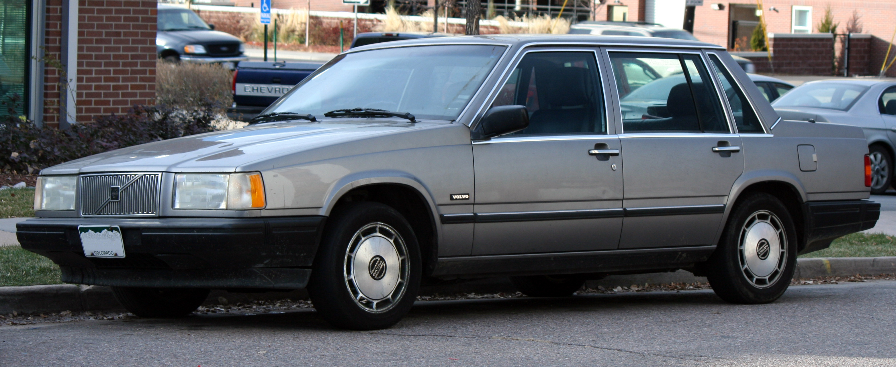 1990 Volvo 740 - Information and photos - ZombieDrive
