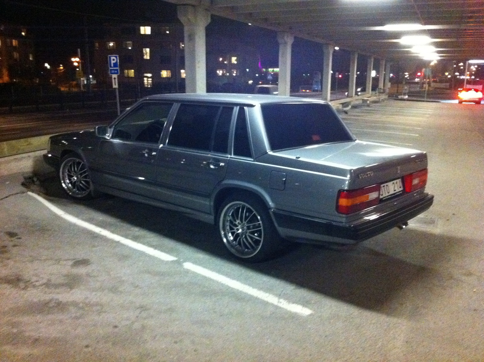 1990 Volvo 760 Image 4