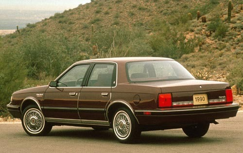 1990 Oldsmobile Cutlass C exterior #2