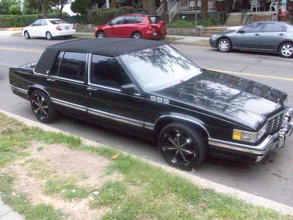 1991 Cadillac Deville Image 7