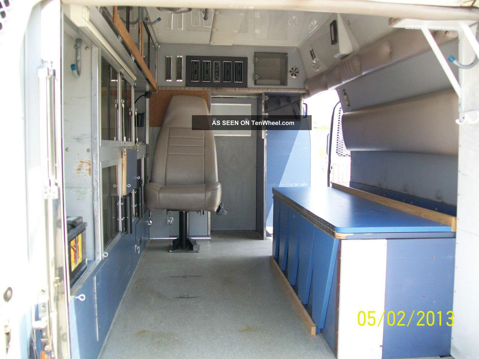 1991 Ford E 350 Image 1