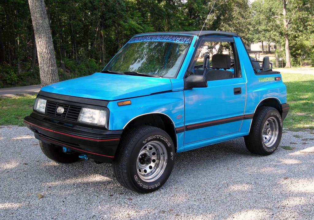 Suzuki Sidekick Vs Chevy Tracker