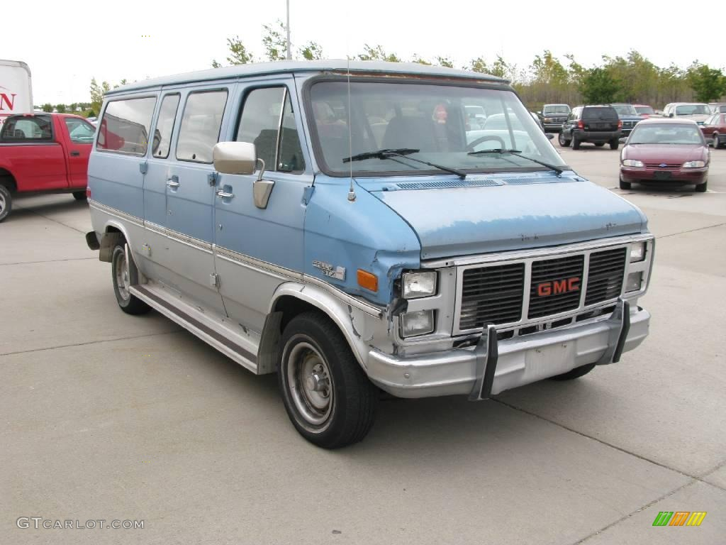 GMC Rally Wagon #8