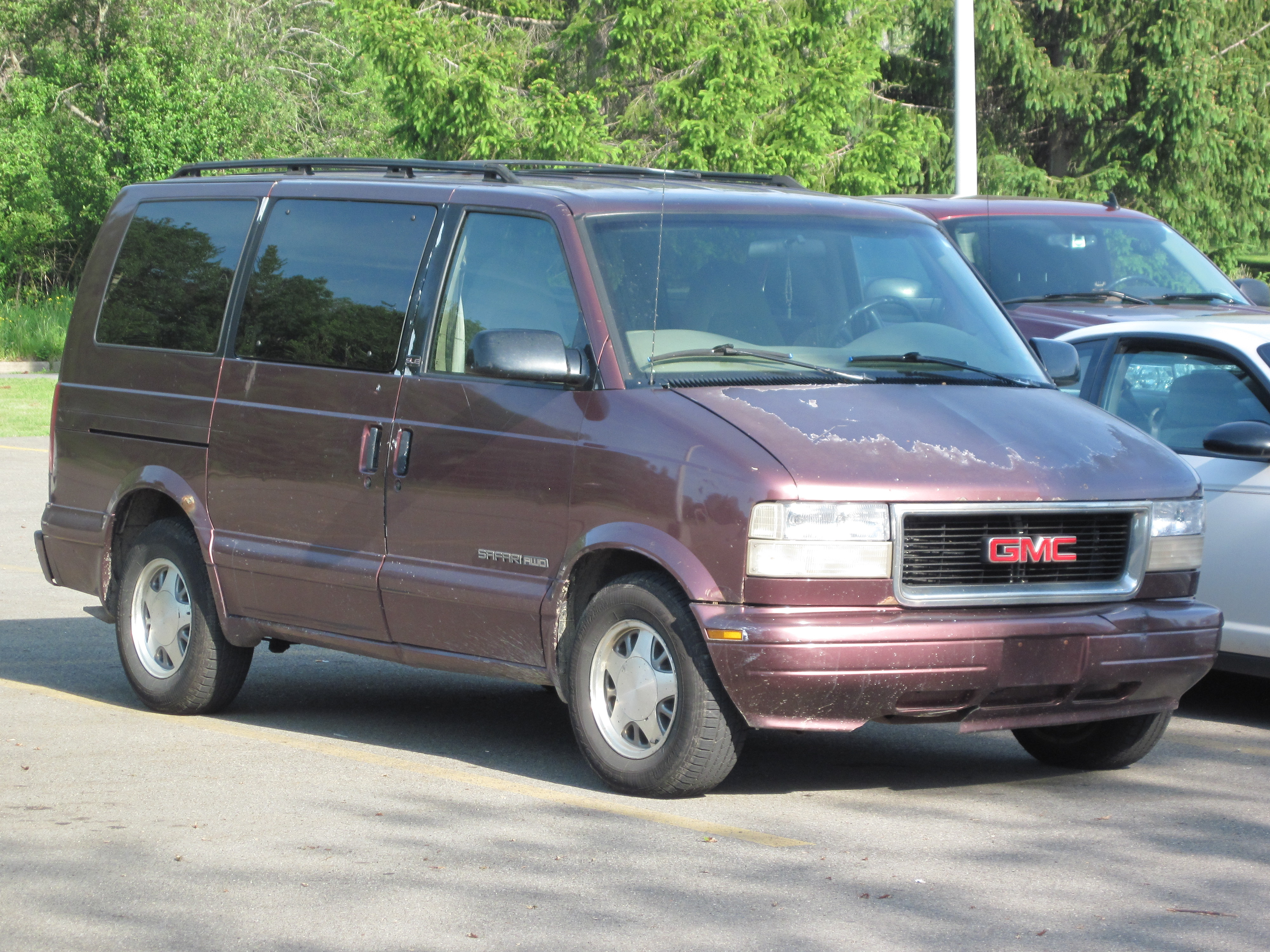 GMC Safari Cargo #8
