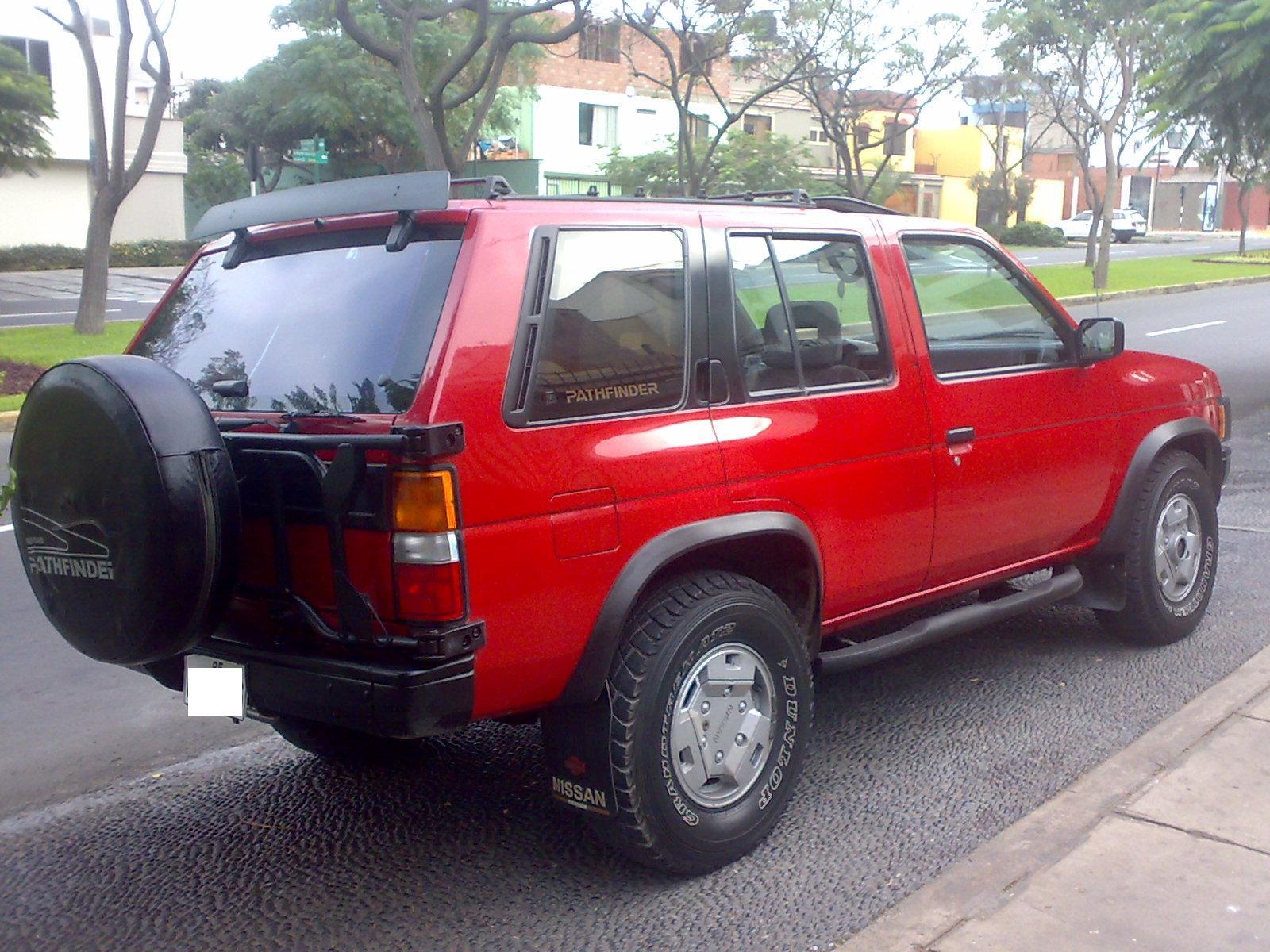 1991 Nissan Pathfinder Image 8