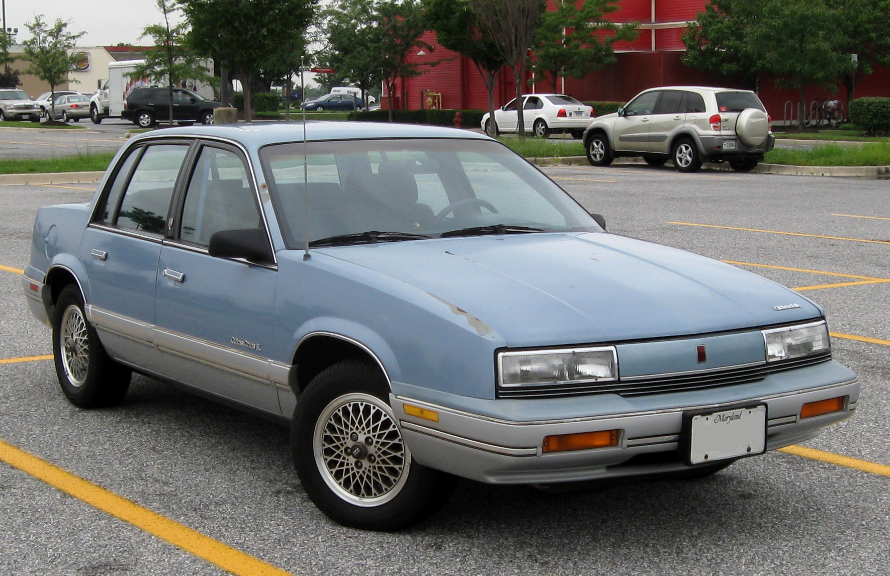 Oldsmobile Cutlass Calais #2