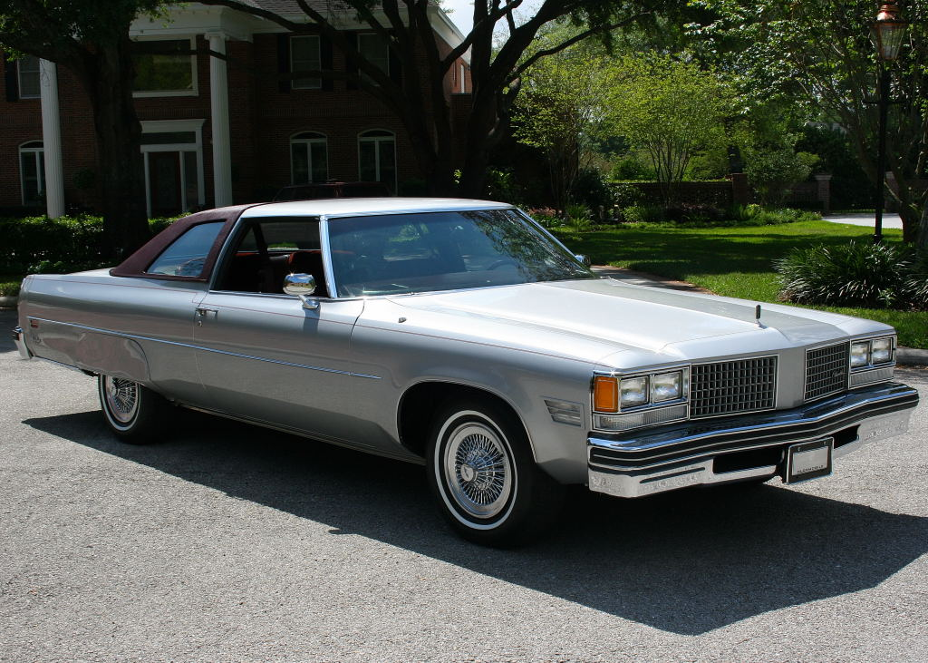 Oldsmobile Ninety-Eight #9