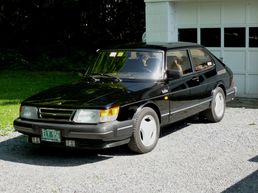 1991 Saab 900 - Information And Photos
