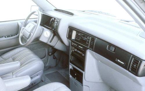 1991 Plymouth Voyager 2 D interior #4