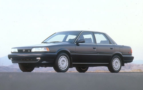 1991 Toyota Camry 4 Dr LE exterior #1