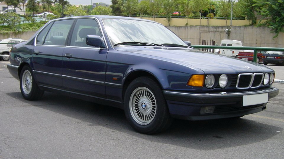 1992 Bmw 7 Series Image 8