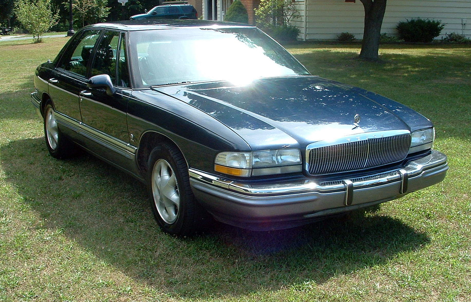 1992 buick lesabre information and photos zombiedrive. Black Bedroom Furniture Sets. Home Design Ideas