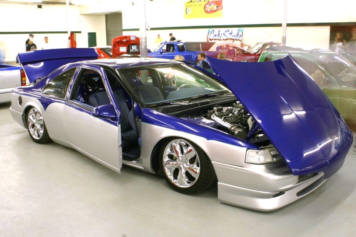 1992 Ford Thunderbird Image 7