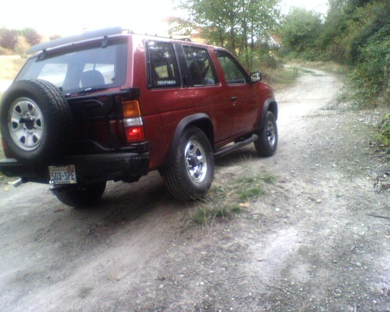 1992 Nissan Pathfinder Image 6