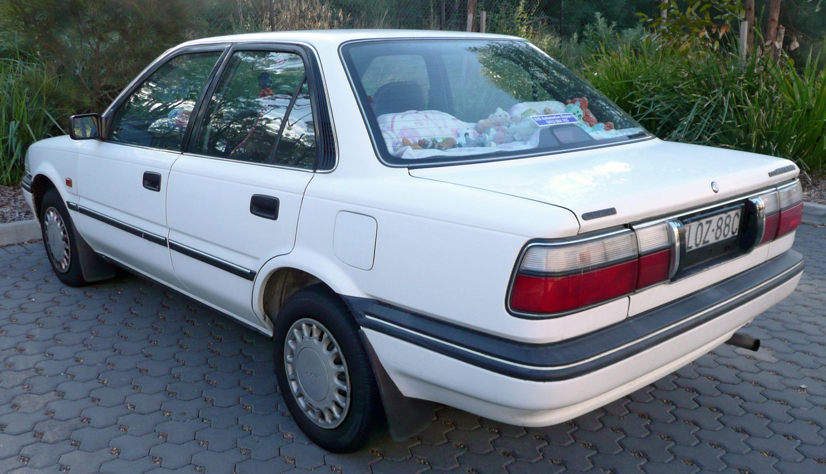 1992 Toyota Corolla Image 5