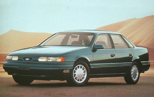 1992 Ford Taurus 4 Dr LX  exterior #1