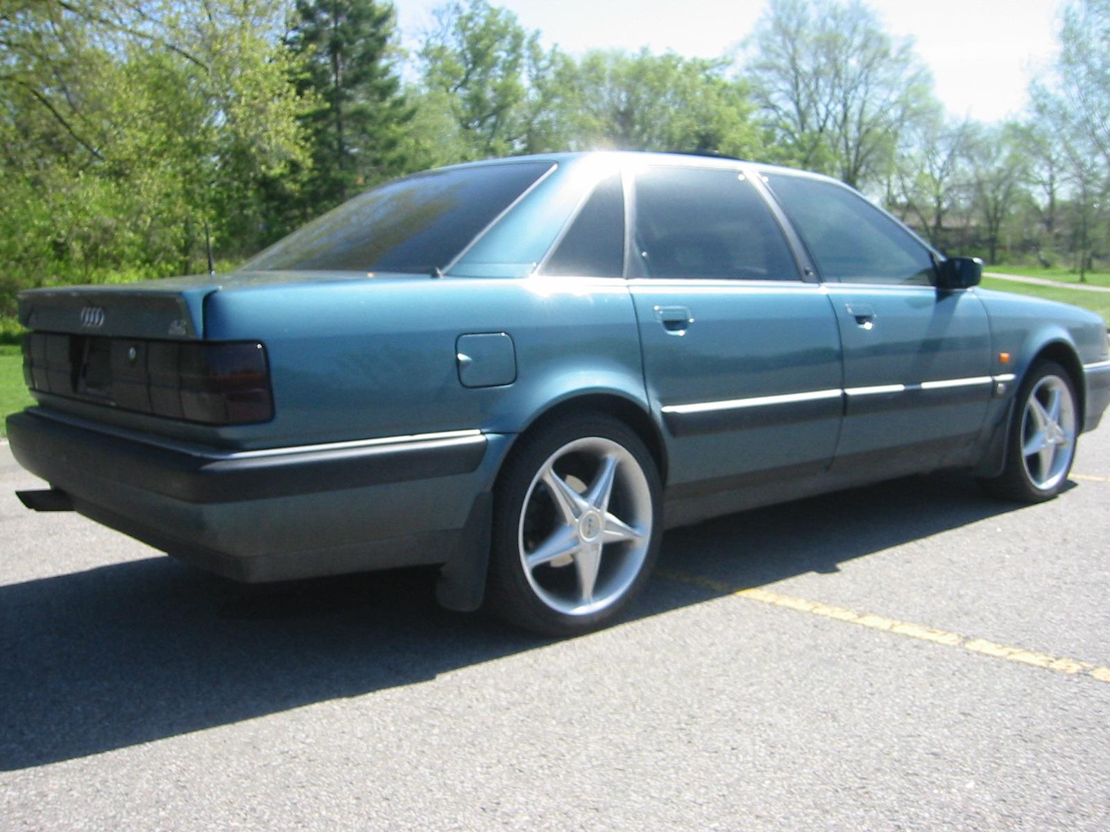 1993 Audi V8 Image 2
