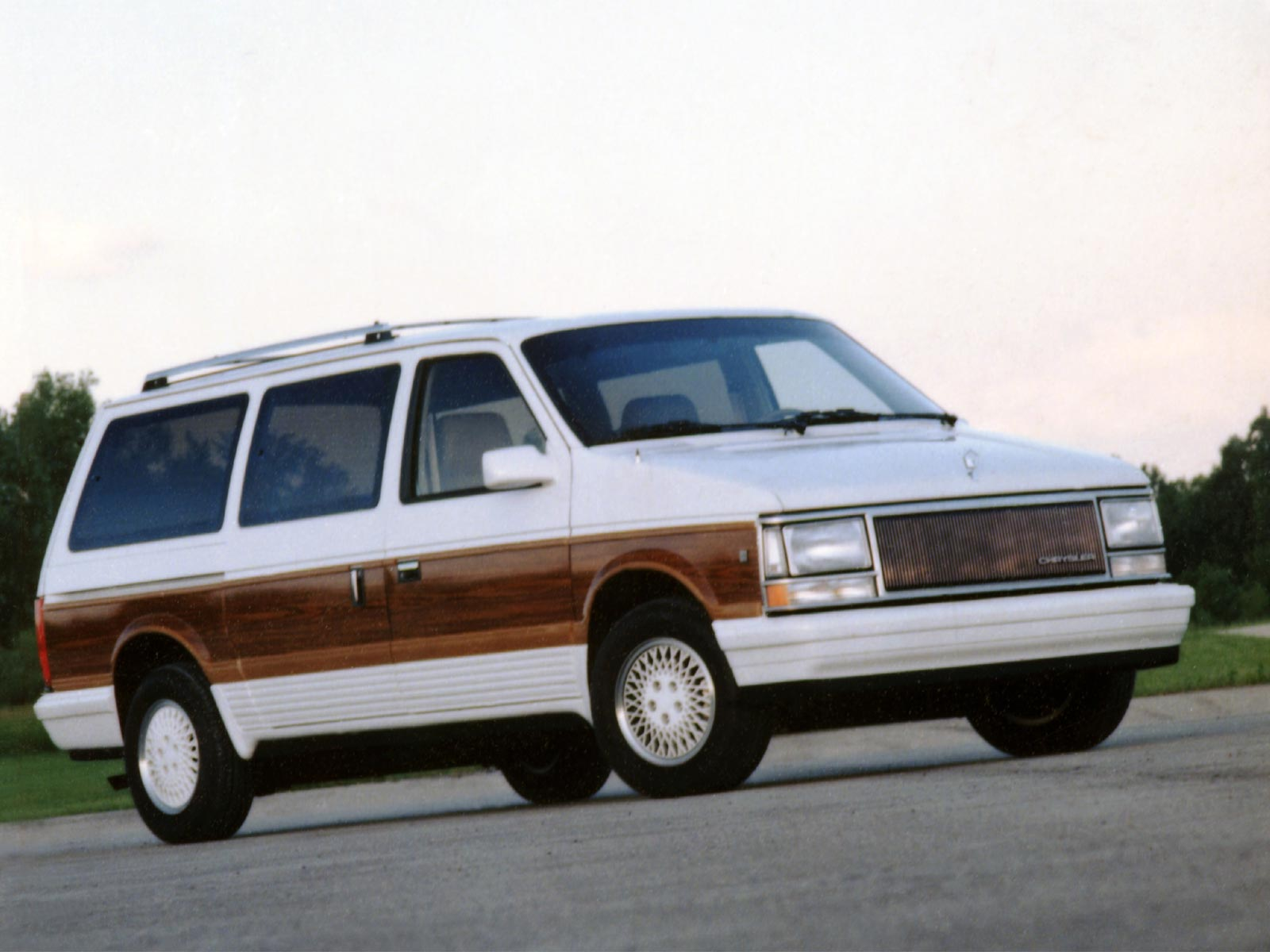 Chrysler Town and Country #4