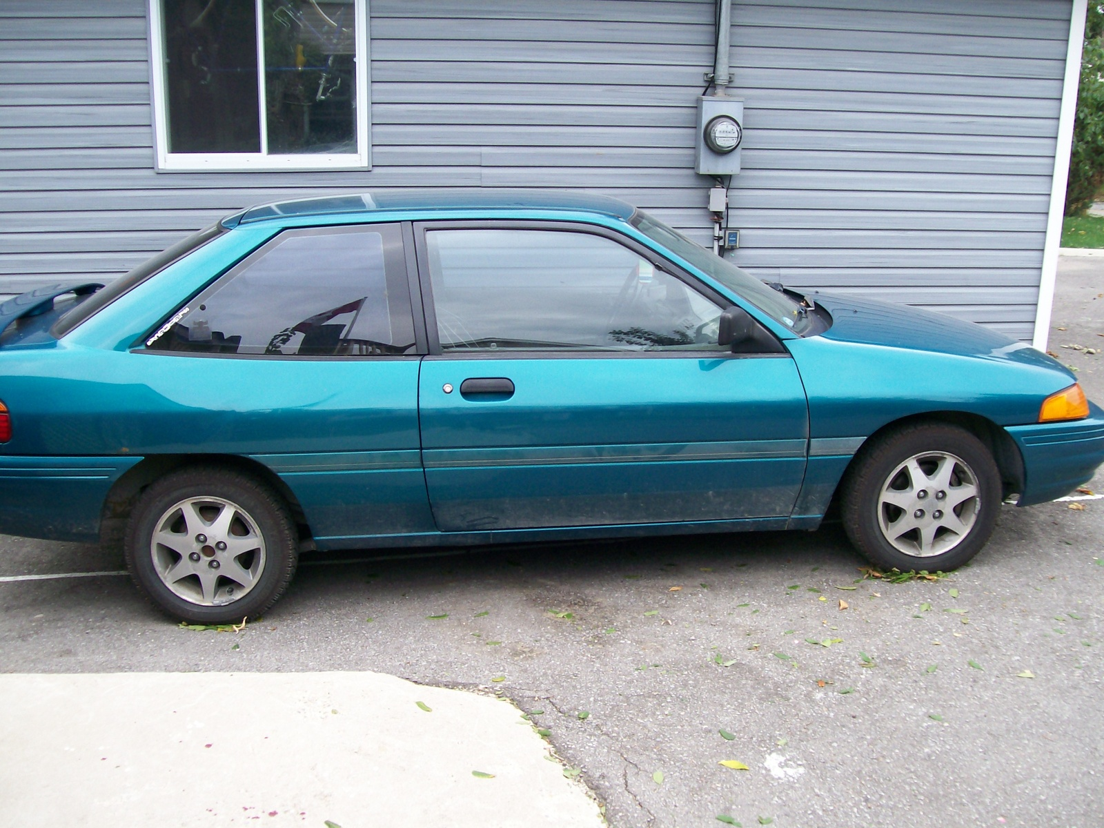 1993 ford escort lx hatchback body parts