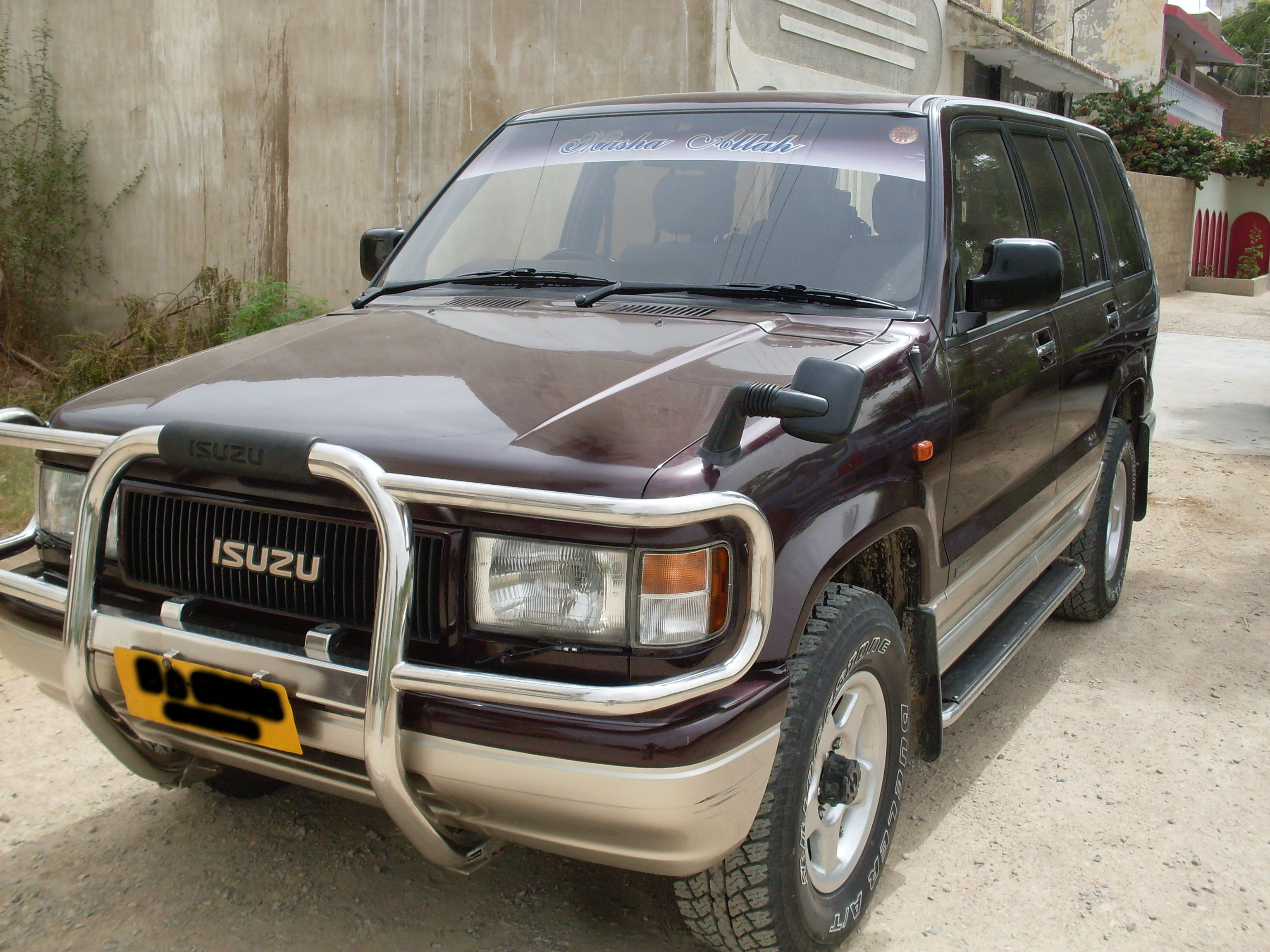 Isuzu Trooper #1