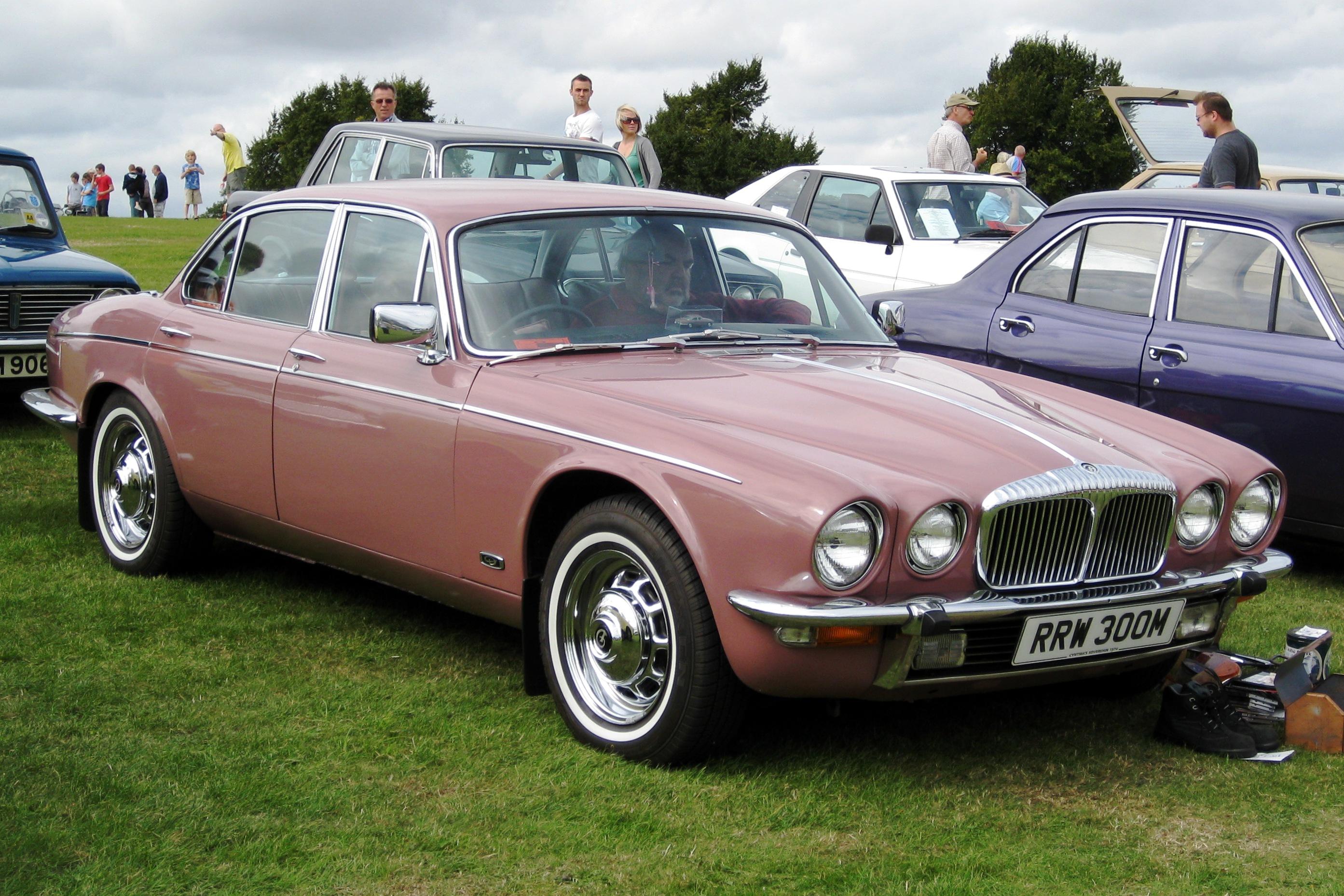 ... Jaguar XJ-Series #11