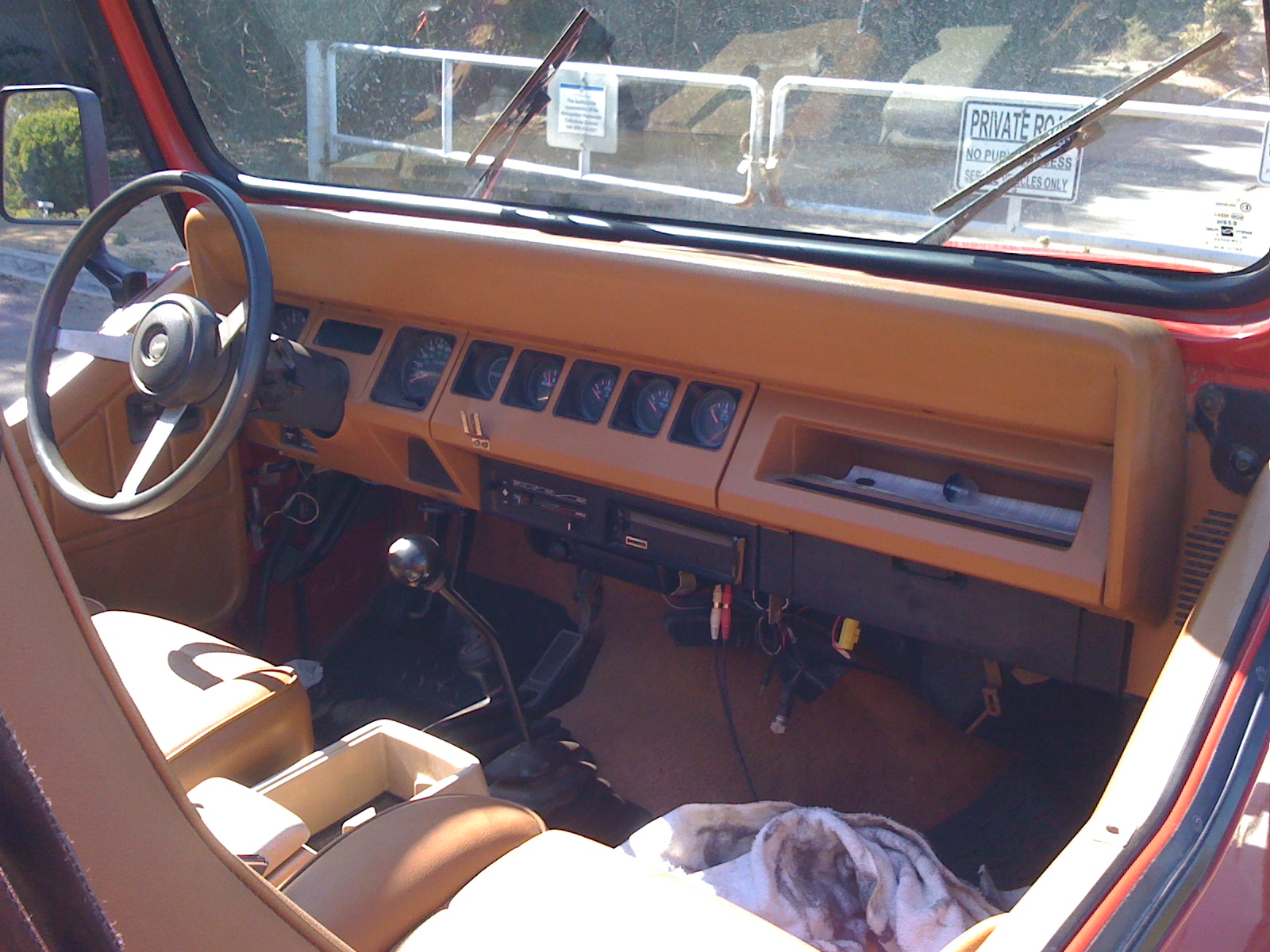 1993 jeep wrangler information and photos zombiedrive for Interior wrangler yj