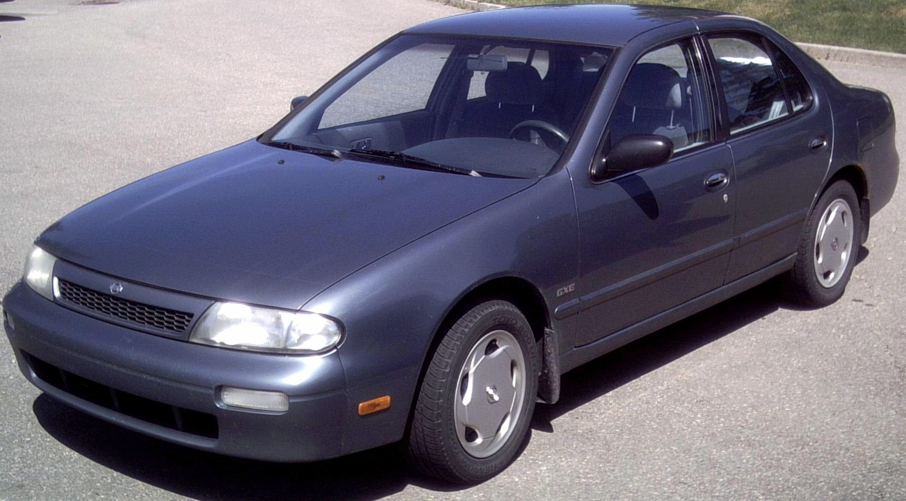 1993 Nissan Altima Image 10