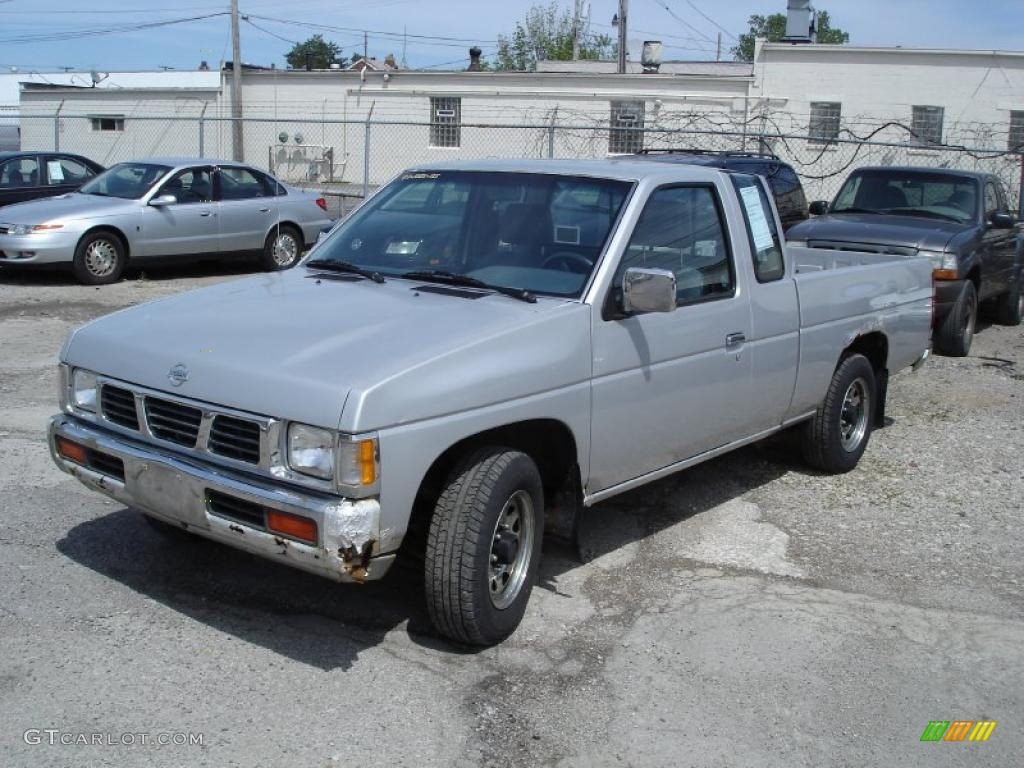 1993 Nissan Truck Image 9