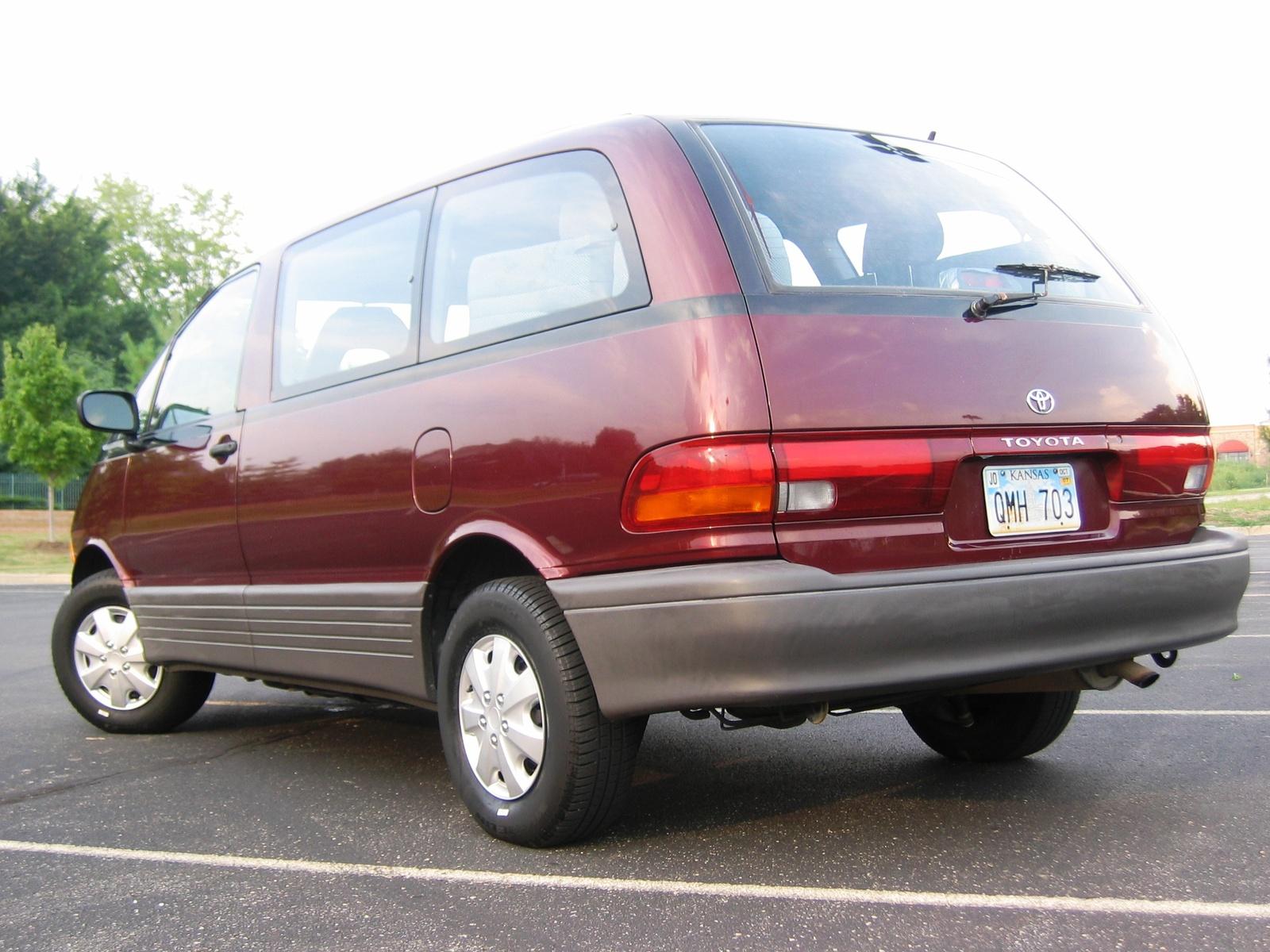 1993 Toyota Previa Image 6