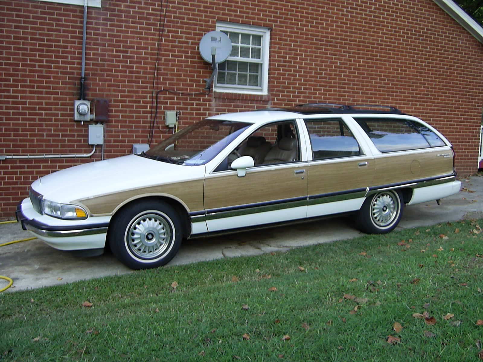 1994 buick roadmaster information and photos zombiedrive. Cars Review. Best American Auto & Cars Review