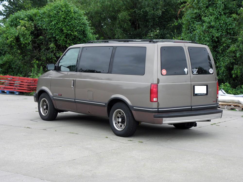 1994 Chevrolet Astro Image 9