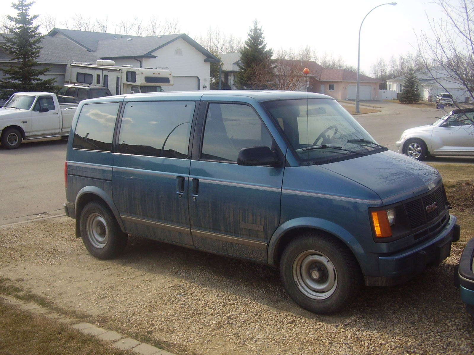 GMC Safari Cargo #9