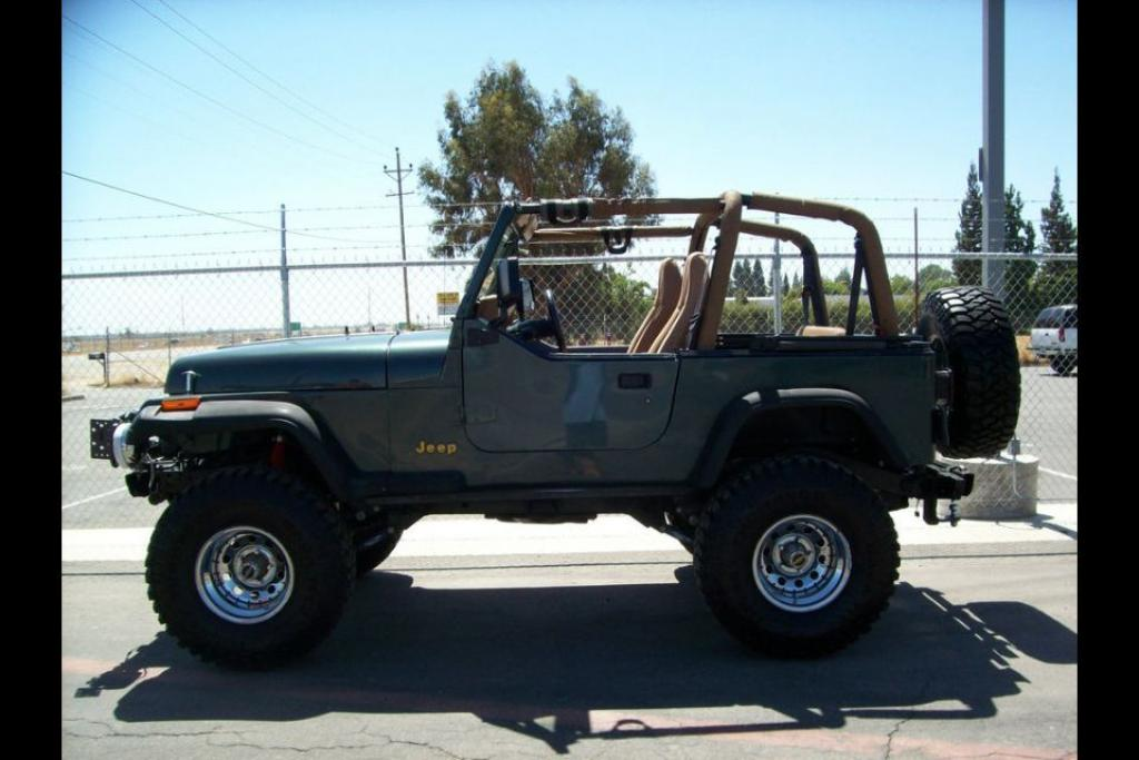 1994 Jeep Wrangler Image 2